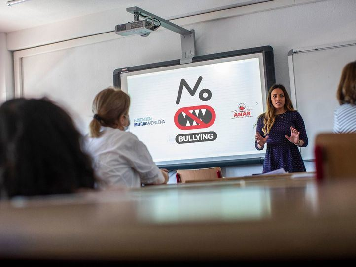 Cae el acoso escolar en España y se mantiene el ciberbullying durante la pandemia
