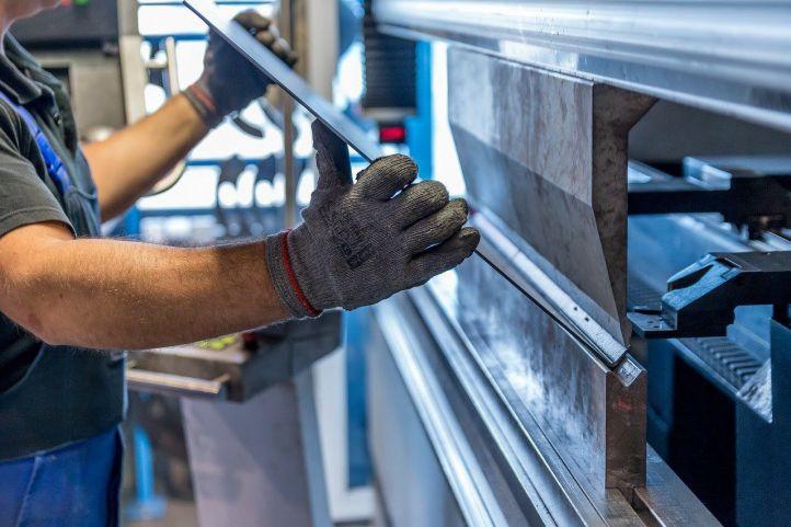 ¿Qué se busca cuando se fabrica una máquina industrial?