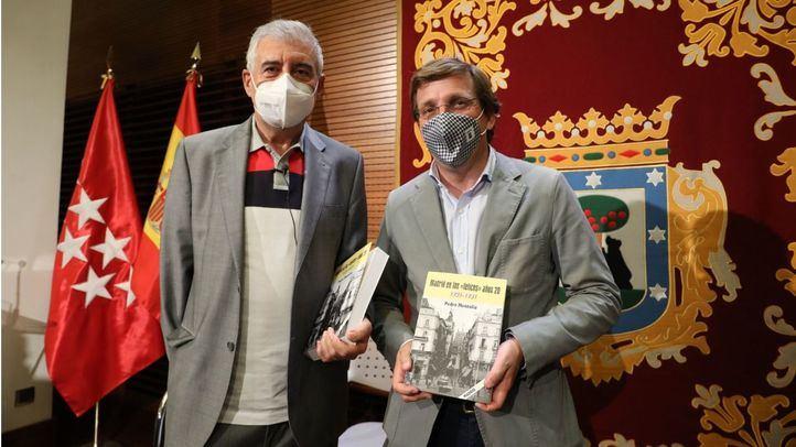 El alcalde de Madrid, José Luis Martínez-Almeida, en la presentación de la nueva obra de Pedro Montoliú.
