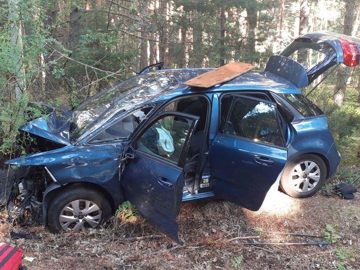 Fallece un hombre en el choque de un vehículo contra un árbol en Rascafría