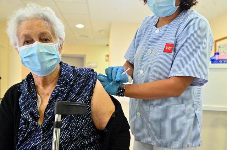 La tercera dosis de la vacuna, en residencias desde hoy