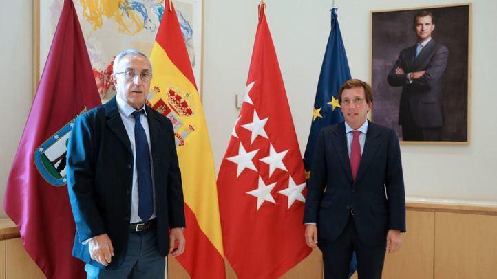 Alejandro Blanco, presidente del COE, junto a José Luis Martínez -Almeida, alcalde de Madrid.