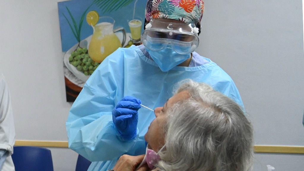 Mejoran las cifras de la pandemia con un centenar de contagios menos en una semana