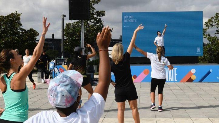Cientos de madrileños celebran el Día del Deporte con el foco en prevenir la obesidad infantil
