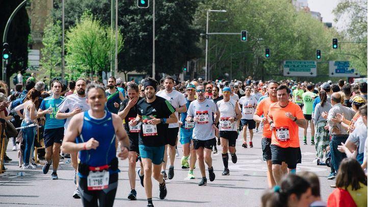 Más de 30.000 corredores participan en el Maratón de Madrid, que deja 40 millones de euros