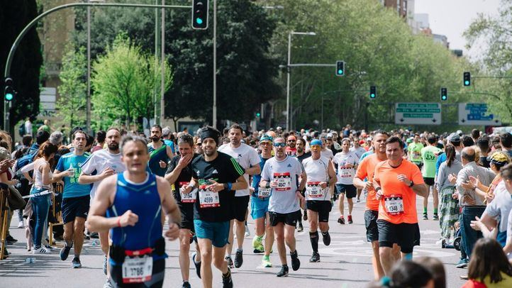 Más de 30.000 corredores participan en el Maratón de Madrid, que deja 40 millones de euros en la ciudad