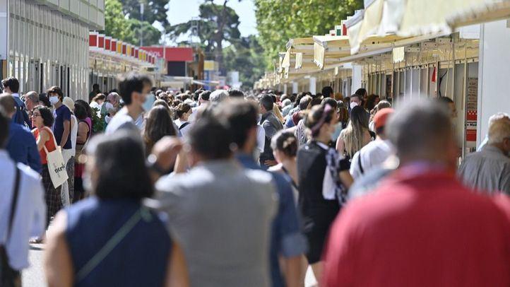 La Feria del Libro concluye con 384.000 visitantes y más de 9,1 millones en ventas, un 10% menos que en 2019