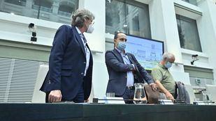 Marta Higueras, Luis Cueto y José Manuel Calvo, en el Pleno de Cibeles.