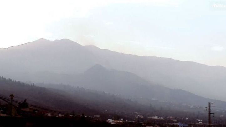 El volcán de La Palma deja de expulsar lava