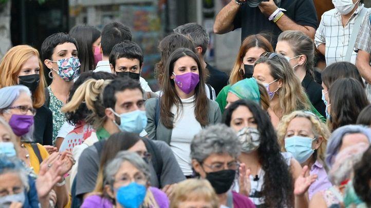 Concentración a favor del aborto frente al Museo Reina Sofía
