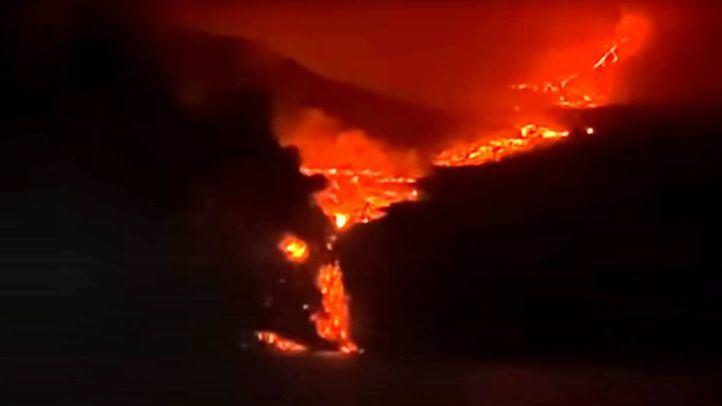 Volcán de la Palma: se produce de madrugada la tan temida llegada de la colada de lava al mar