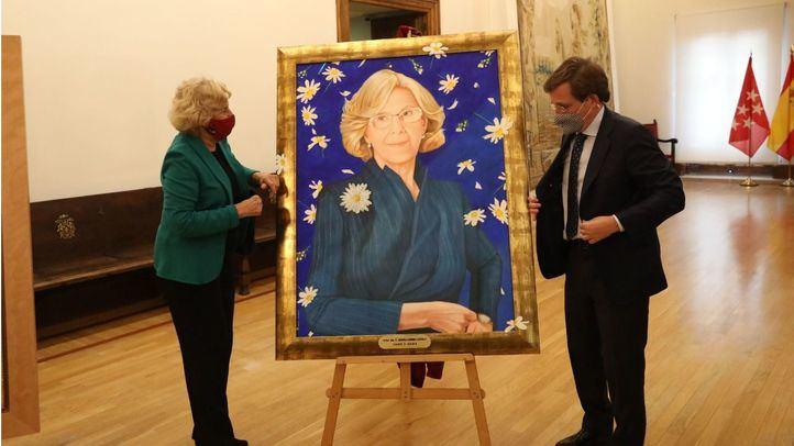 Los retratos de Gallardón, Botella y Carmena se suman a la galería de alcaldes del Ayuntamiento