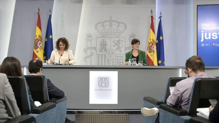 Las ministras María Jesús Montero e Isabel Rodríguez
