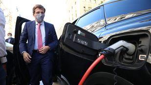 El alcalde, José Luis Martínez-Almeida, presenta el plan de ayudas a la renovación de vehículos Cambia 360.