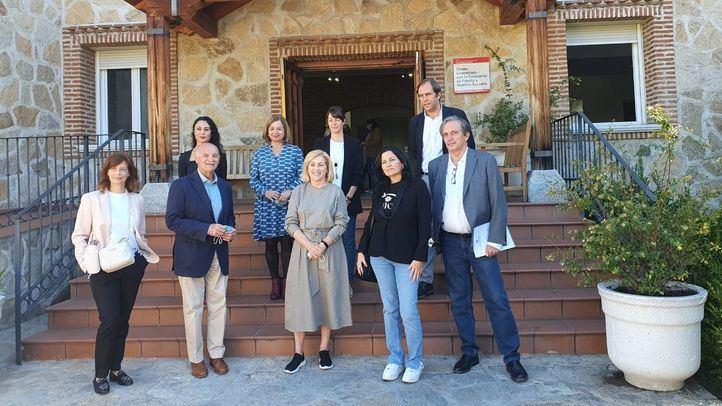 Concepción Dancausa visita el Centro de Salud Mental de Hortaleza