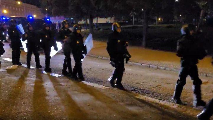 La Policía Nacional interviene en el Parque del Oeste para disolver un macrobotellón