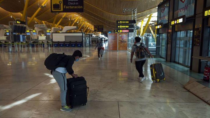 El Gobierno levanta las restricciones de entrada a las terminales de los aeropuertos