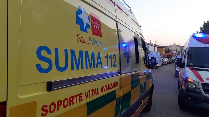 Trasladada al hospital con pronóstico grave una mujer que ha sufrido una herida de arma blanca en Velilla de San Antonio (Madrid).