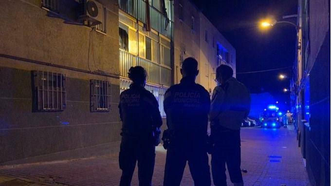 Policía investiga el apuñalamiento mortal de anoche en San Blas (Madrid).