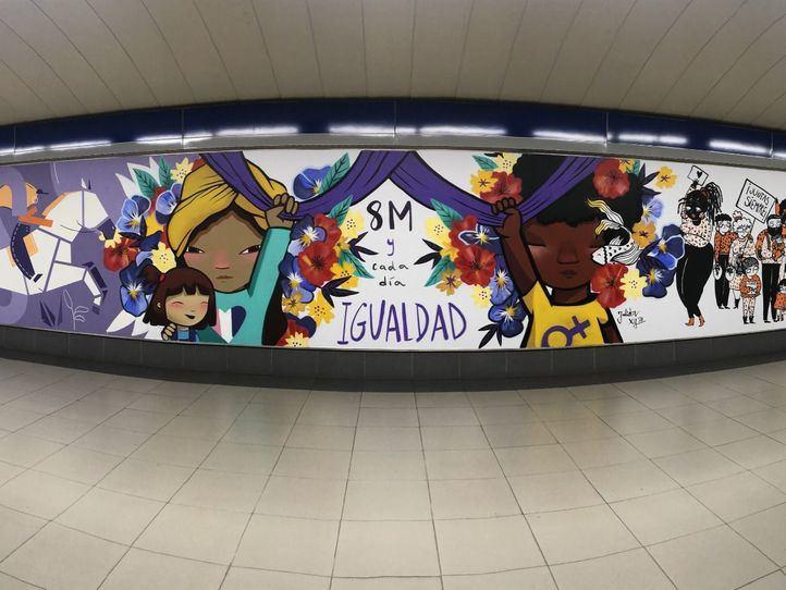 Metro retira el mural feminista de Sainz de Baranda tras ser vandalizado