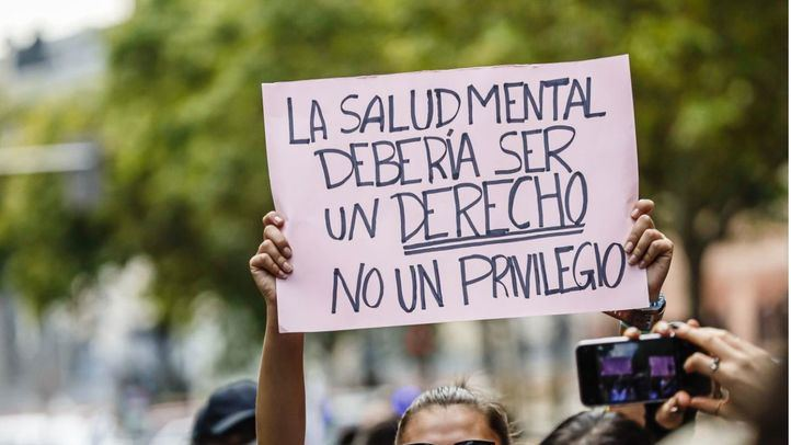 Una manifestación recorre Madrid con motivo del Día Mundial de la Salud Mental