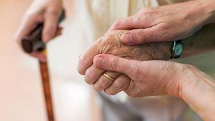 Asistencia a una persona mayor