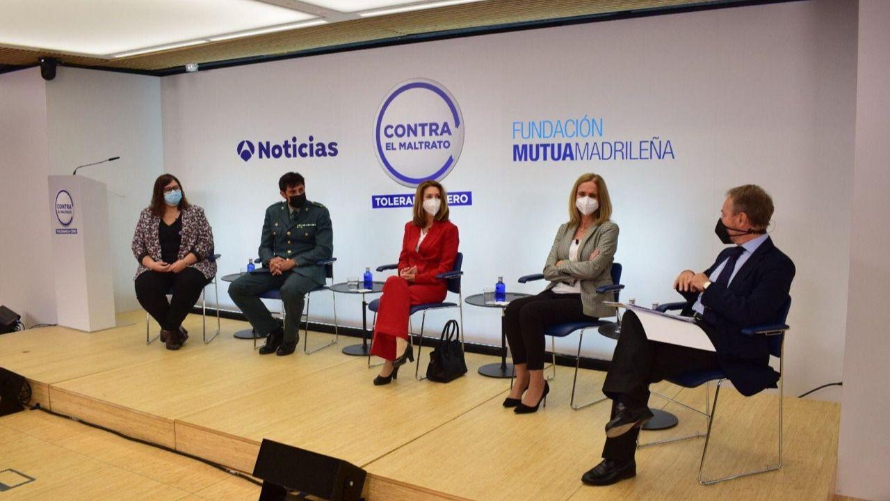 'Contra el maltrato. Tolerancia Cero': violencia de género, una pandemia en la sombra