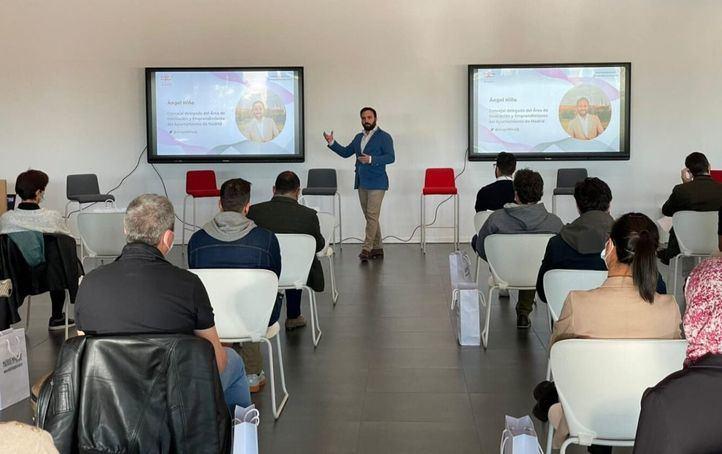 El concejal delegado de Innovación y Emprendimiento, Ángel Niño, ha participado esta mañana en la presentación del I Programa de Aceleración de Viveros de Empresas de Madrid
