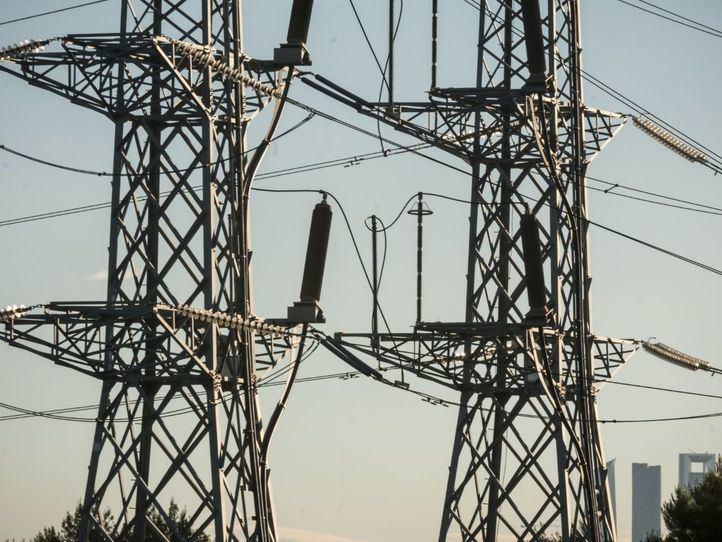 Bajada consumo de Luz,industrial,aumento consumo domestico