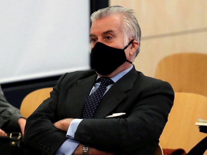 Dos años de cárcel para Bárcenas por pagar en negro la obra de la sede del PP
