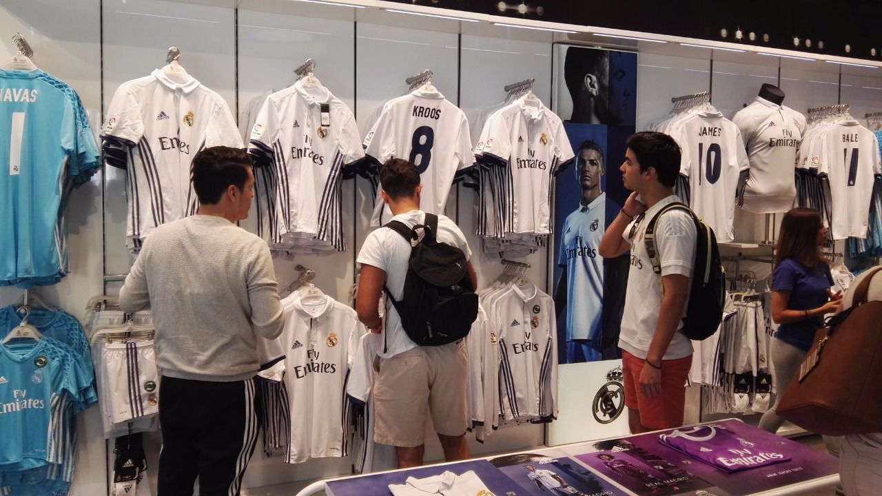 El Real Madrid presenta su nueva camiseta
