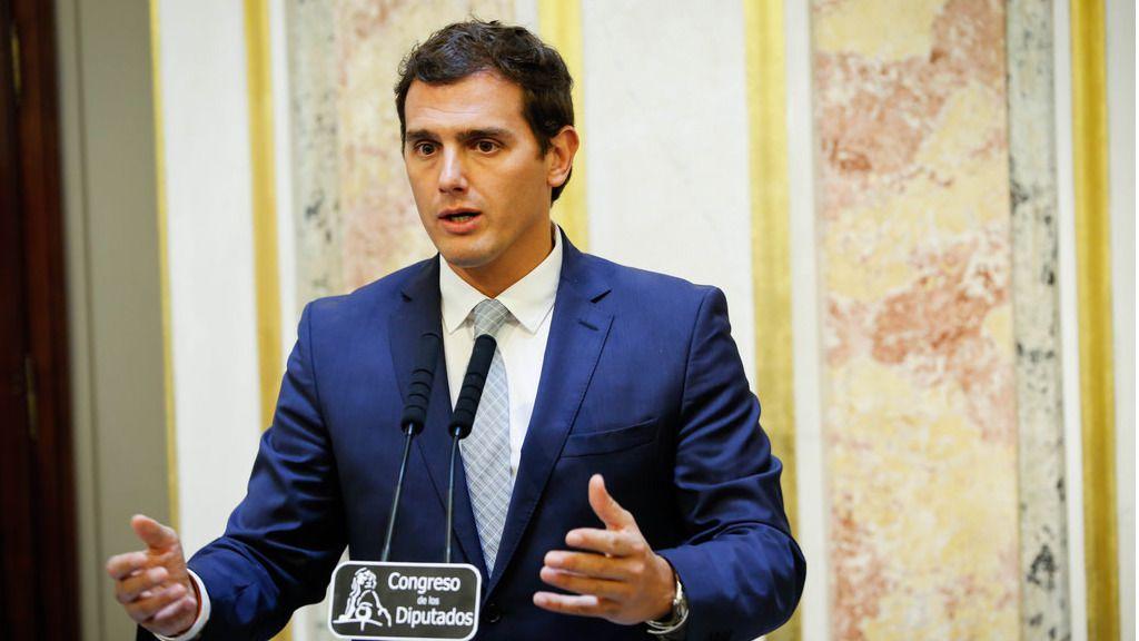 Rivera rechaza 'tirar la toalla' y confía en que el PSOE decida abstenerse esta semana