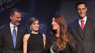 Dolores Redondo gana el Planeta con 'Todo esto te daré'