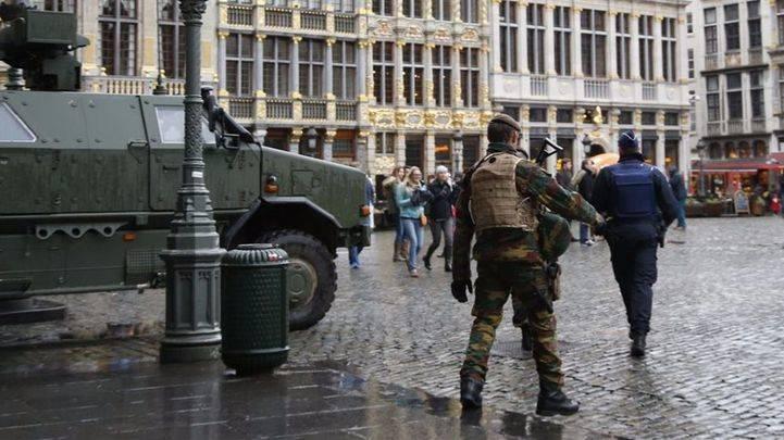 Alarma en Bélgica: la policía detiene a un individuo que intentó invadir con su coche una calle peatonal de Amberes