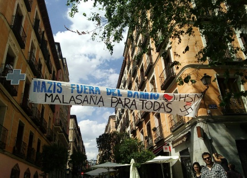 Pancartas contra la protesta de Hogar Social