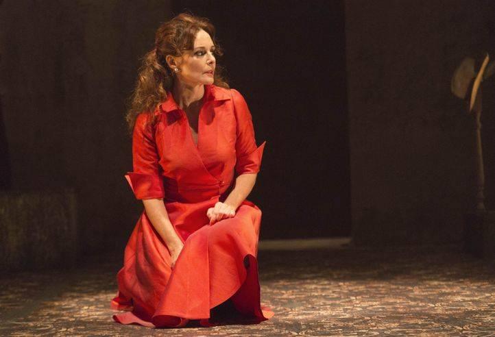Silvia Marsó en '24 horas en la vida de una mujer', en La Abadía.