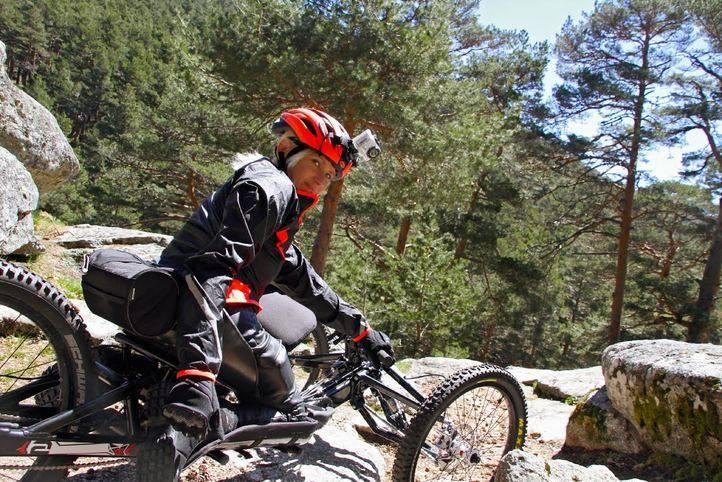 Gema Hassen-Bey, medallista paralímpica en esgrima, se prepara para subir el Kilimanjaro