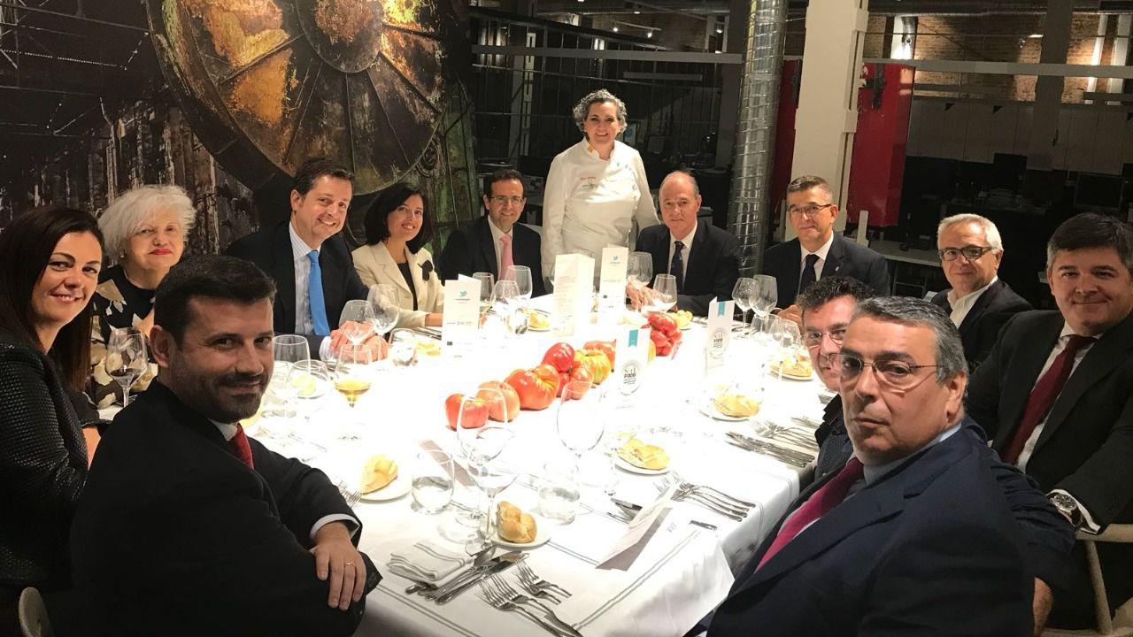 Clientes y amigos de El Corte Inglés Empresas con la chef Pepa Muñoz
