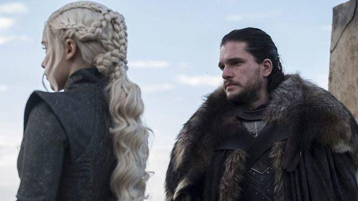 Los personajes de Juego de Tronos, Daenerys Targaryen y Jon Nieve.