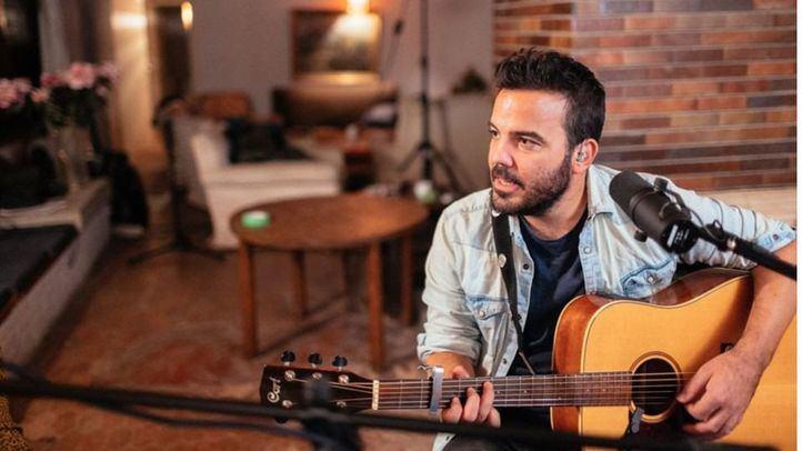 Juan Zelada nos canta 'Todo el dolor' con mucho amor detrás