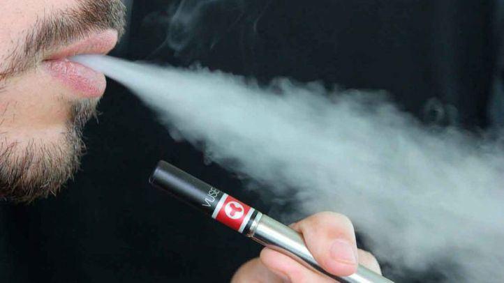 Sanidad advierte de los riesgos de los cigarrillos electrónicos