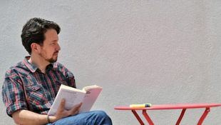 Pablo Iglesias se corta la coleta