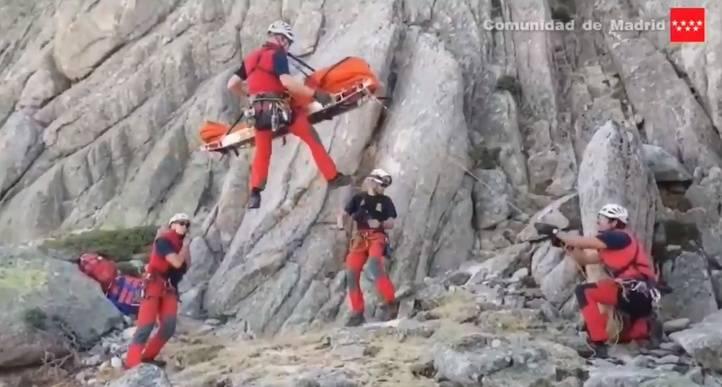 Una excursionista cae desde una altura de cinco metros en La Pedriza