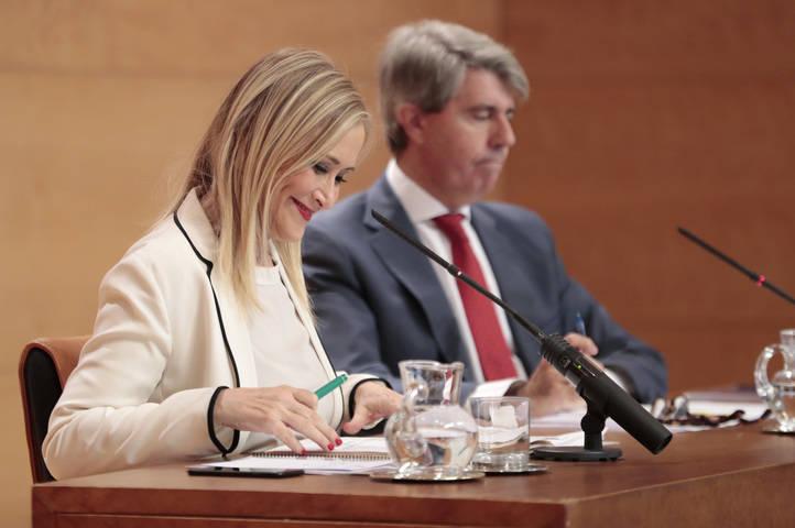 Cristina Cifuentes y su portavoz Ángel Garrido en la rueda de prensa posterior al Consejo de Gobierno de este martes