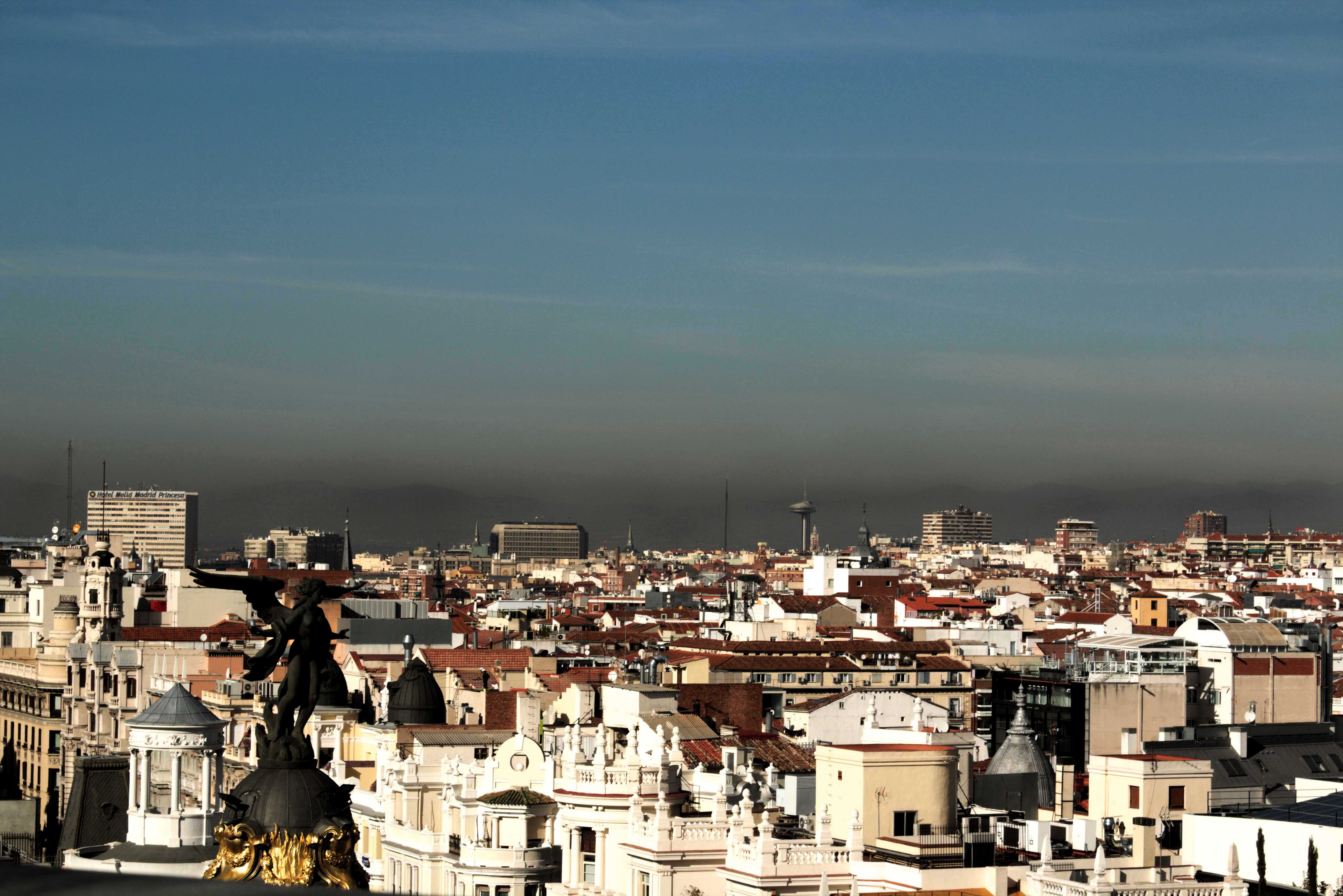 La boina de contaminación sobre la capital (Foto  Ayuntamiento de Madrid) 3954a8fa885