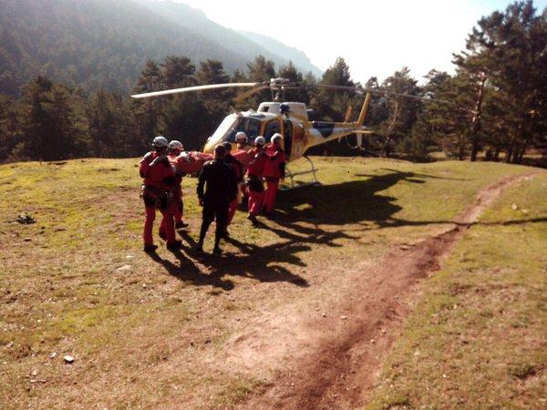 El GERA rescata a un ciclista en una zona arbolada de Navacerrada