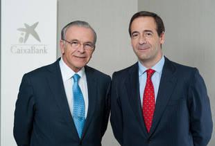Isidro Fain�, presidente de CaixaBank y Gonzalo Gort�zar, consejero delegado de la entidad