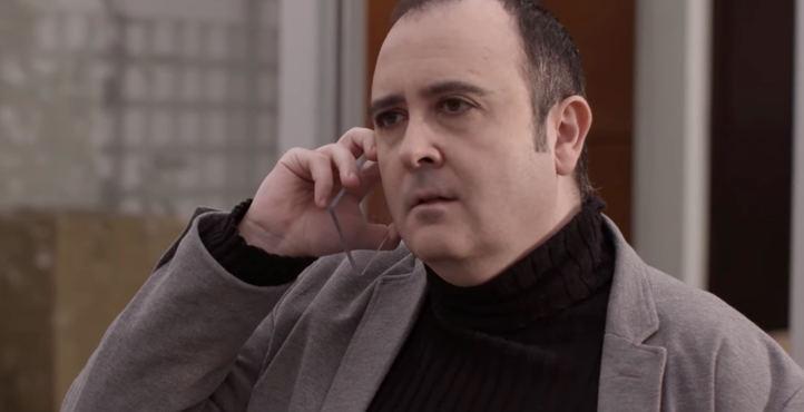 El actor Carlos Areces en un fotograma del cortometraje