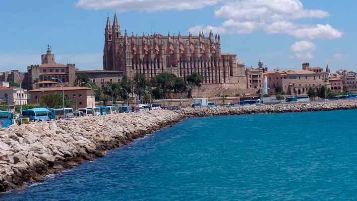 Destino de la semana: Palma de Mallorca, con su catedral vigilando la ciudad