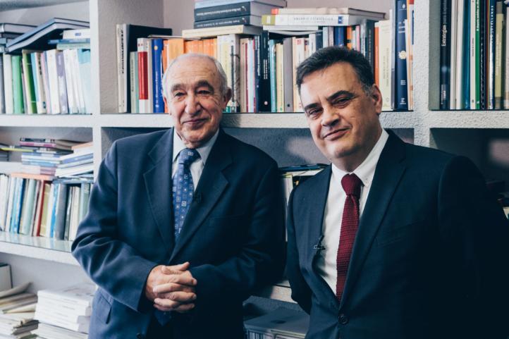 Catedrático Antonio Pulido (izq) y profesor Julián Pérez (dcha)